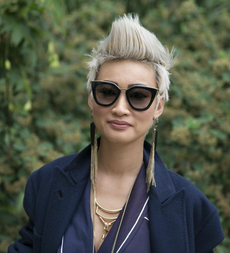idee capelli corti, un taglio e una colorazione punk perfetto per un look stravagante