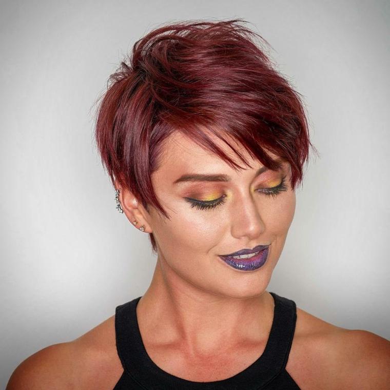 pettinatura capelli corti, una proposta di taglio scalato adatto a tutte le età