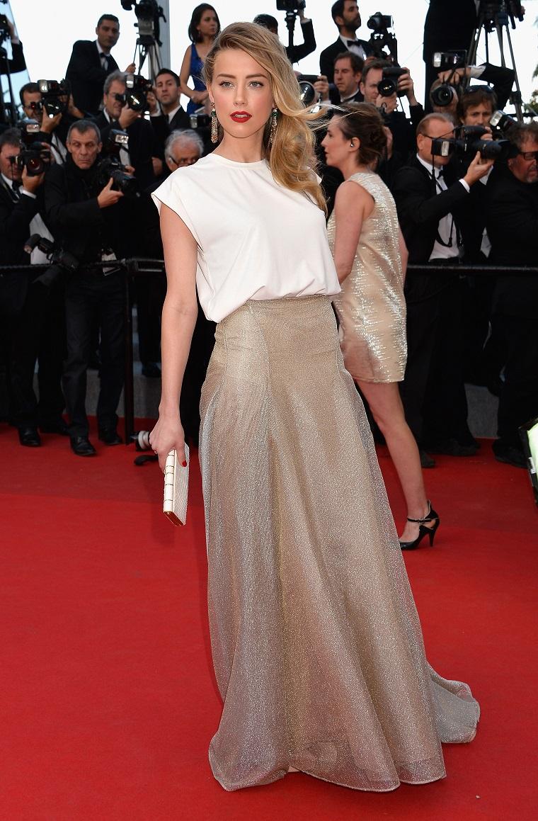 L'attrice Amber Heard sfoggia al Red Carpet al Festival di Cannes con un abbigliamento casual