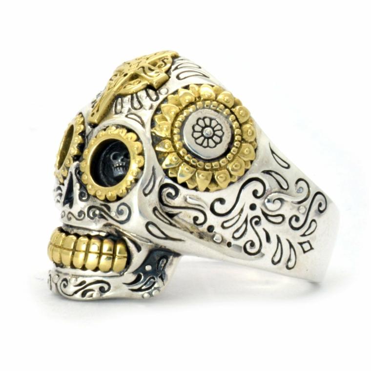 un'idea regalo per lui: un anello a forma di teschio della tradizione messicana