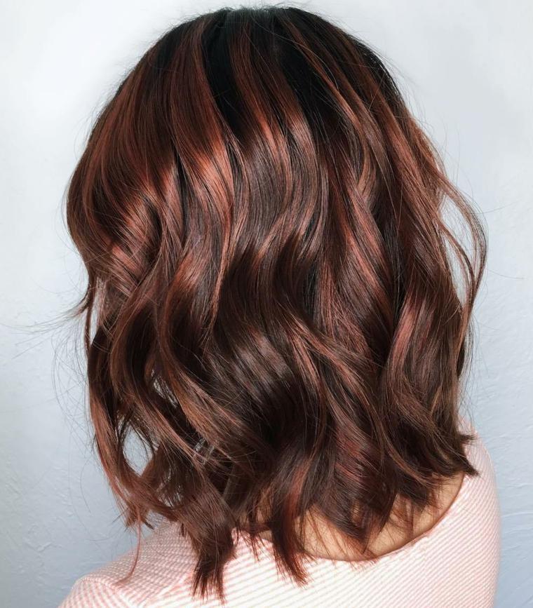 Colore capelli cioccolato con sfumature
