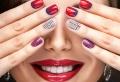 Più di 100 idee per delle unghie decorate, tutte da copiare