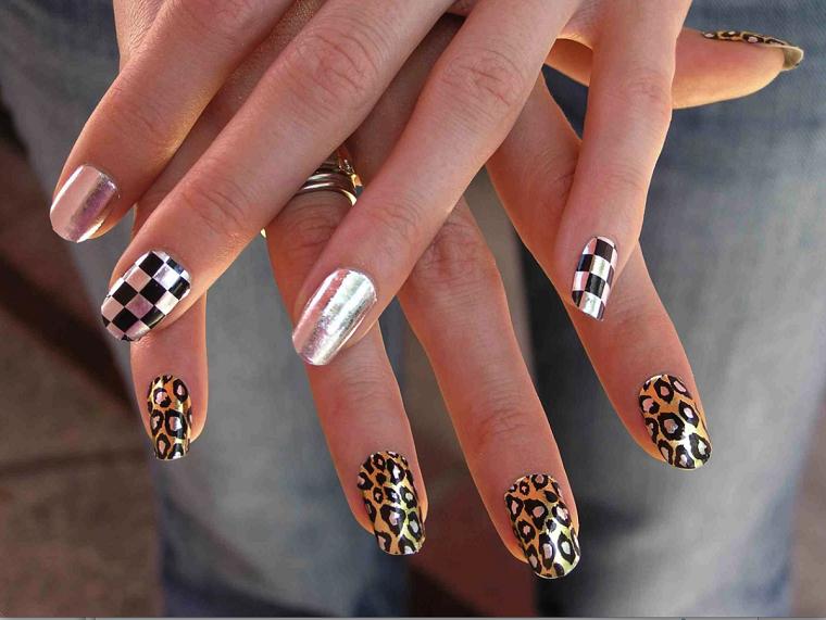 Unghie nail art, idea per un disegno particolare di colore nero e argento, nail accent con print leopardo