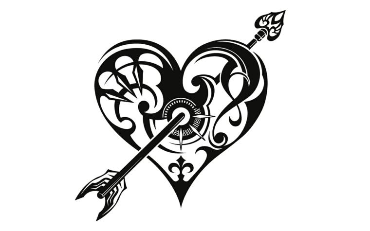 un disegno di tatuaggio a forma di cuore in bianco e nero trafitto da una freccia
