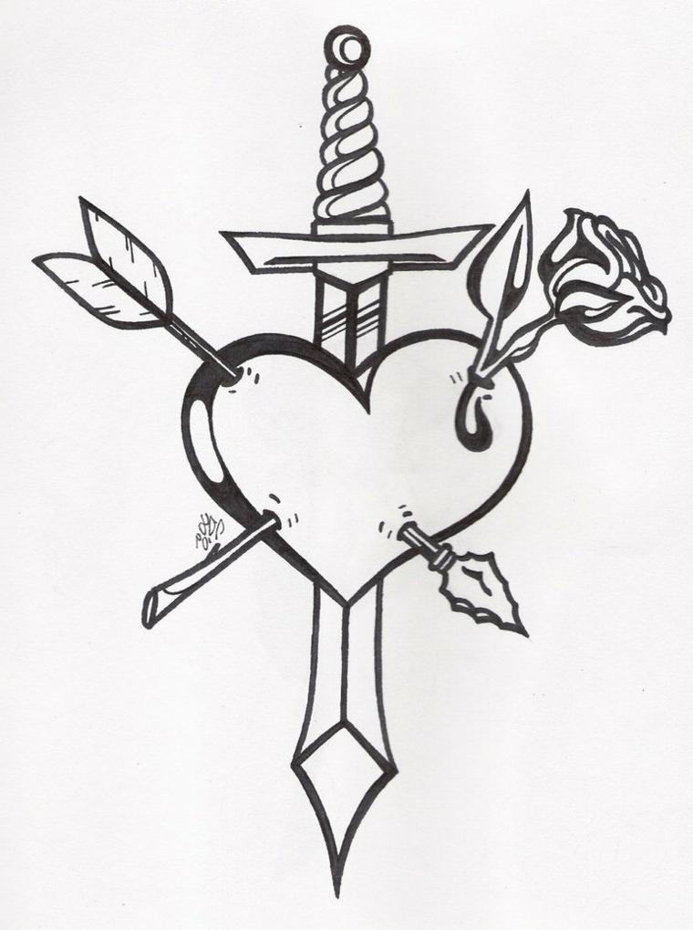 una proposta di cuoricino tatuaggio con altri soggetti: una spada, una rosa e una freccia