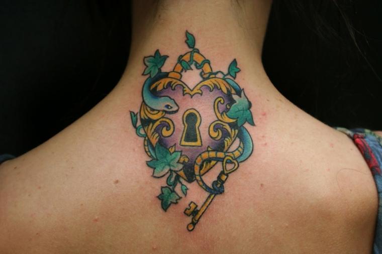 idea per realizzare un cuore tattoo originale e colorato a forma di lucchetto