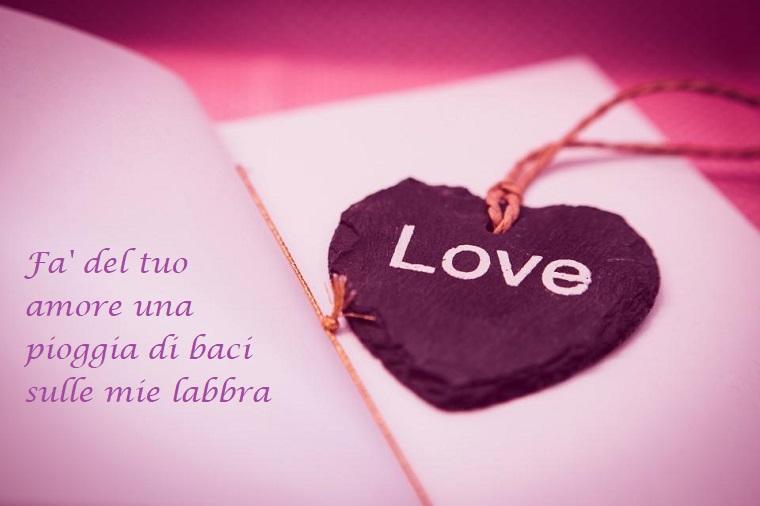 Cuore ciondolo con scritta Love, parole d'amore da dedicare alla persona amata