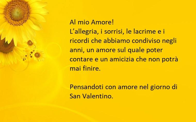 Idea per un bigliettino per San Valentino con sfondo giallo e immagine di girasoli