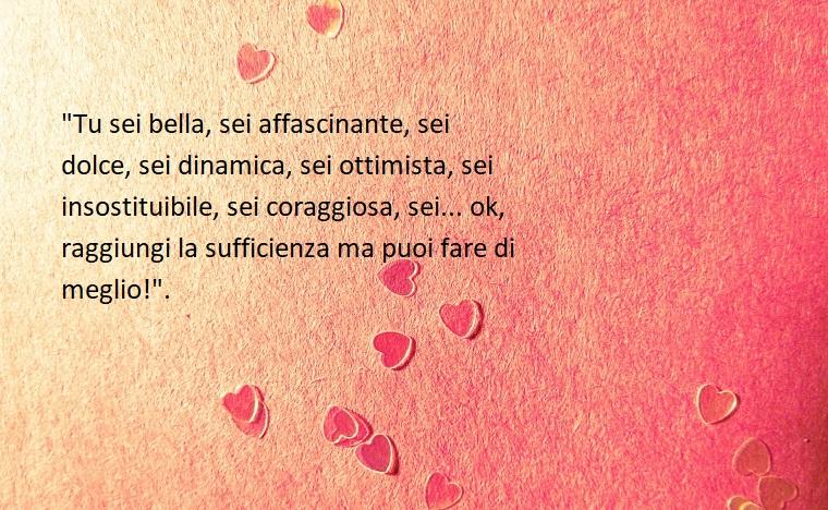 Frasi ironiche da mandare per la festa degli innamorati, immagine con sfondo rosa e tanti piccoli cuori