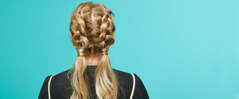 idea per creare un'acconciatura originale per i capelli lunghi con trecce e codini bassi