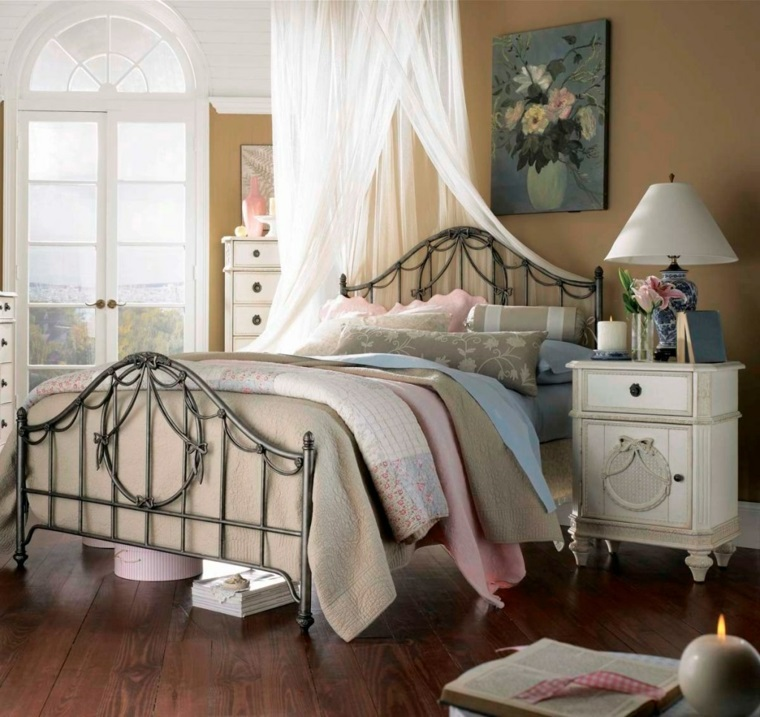 Camera da letto country chic simple arredare camera da - Camere con letto in ferro battuto ...