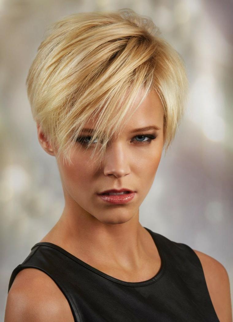 Tagli di capelli corti per donne robuste