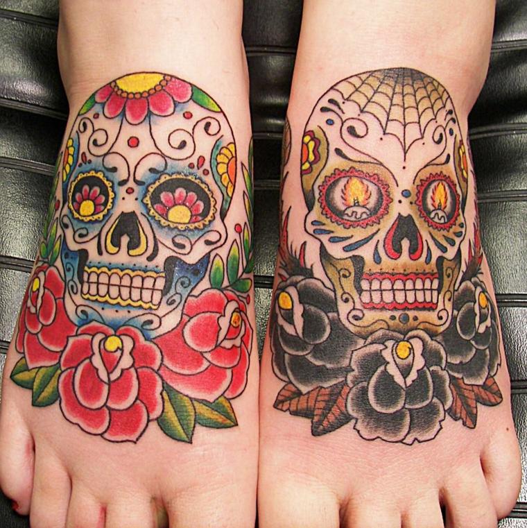 teschio messicano tattoo, due disegni originali e colorati che coprono tutto il collo del piede