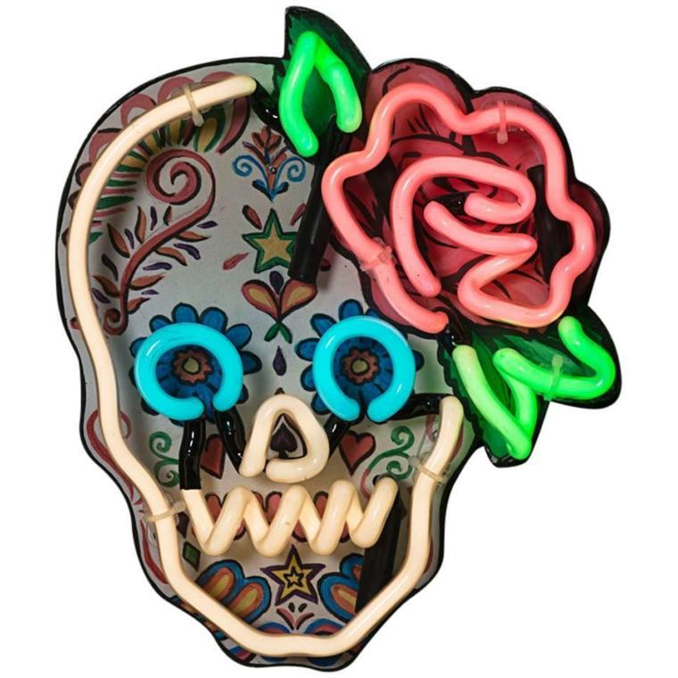 teschi messicani, una decorazione da appendere al muro con inserti colorati al neon