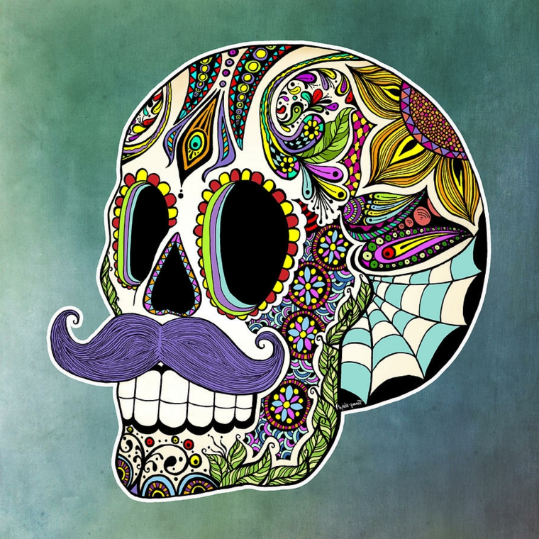 tattoo teschio messicano, un'immagine a tre quarto con dettagli colorati e baffi viola