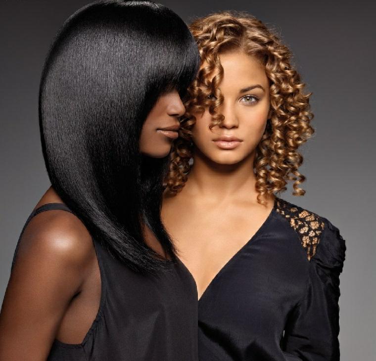 Collage a confronto due tipi di colorazione per capelli, nero e biondo miele, liscio perfetto e ricci
