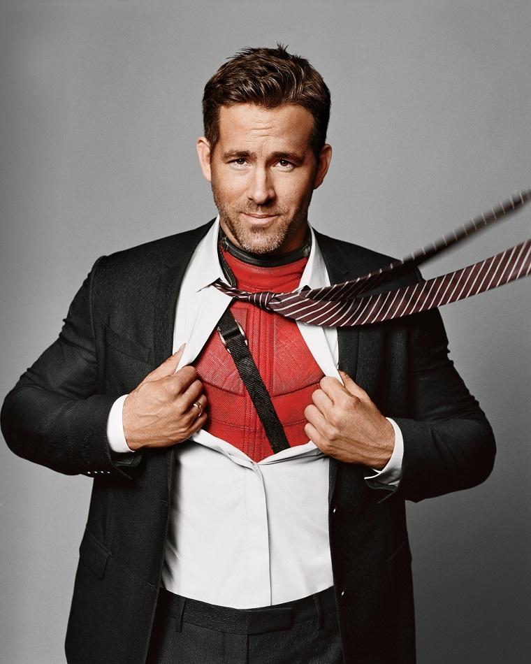 Il ragazzo più bello del mondo, Ryan Reynold con il costume rosso di pelle di Deadpool