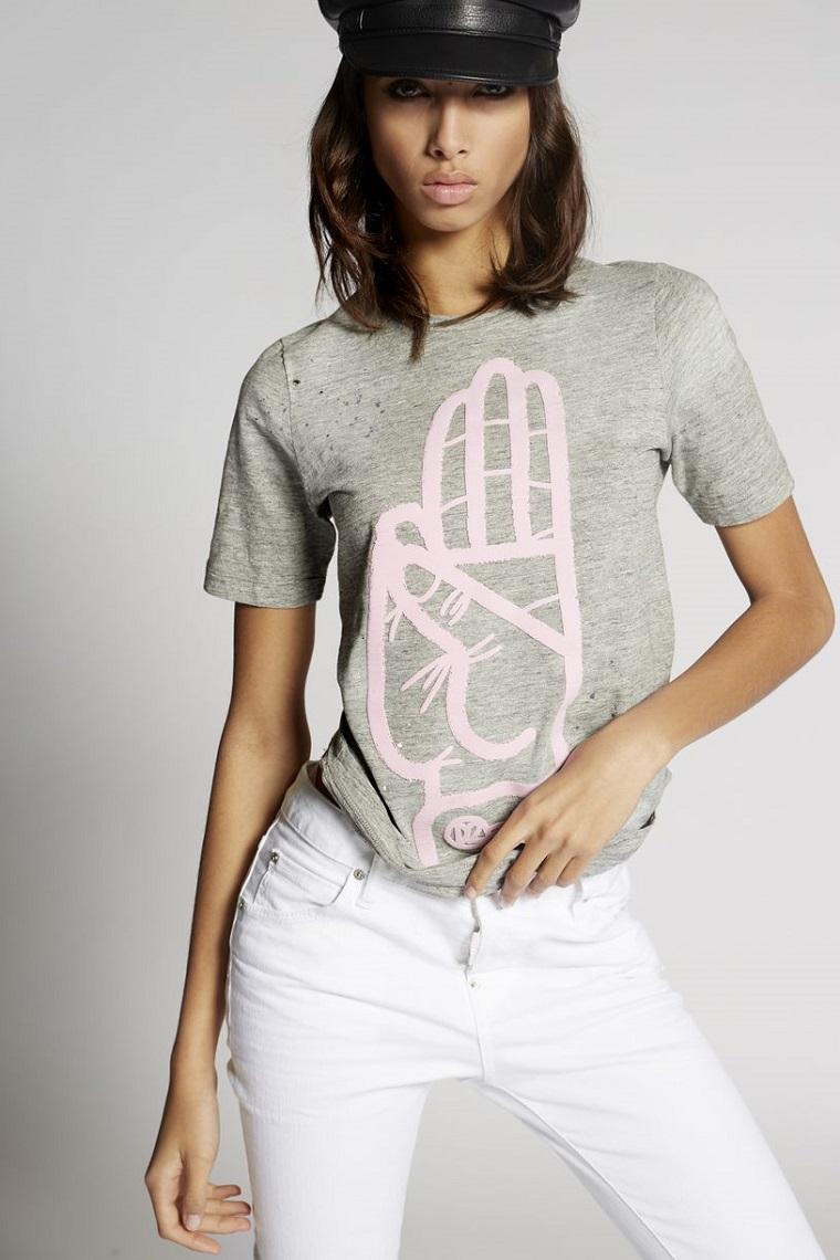 Idea indossare vestiti casual, maglietta maniche corte con jeans bianchi, creare vestiti in modo facile