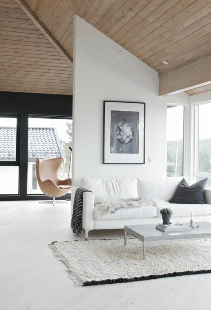 Mobile soggiorno moderno in legno, muro divisorio e quadro da parete con cornice