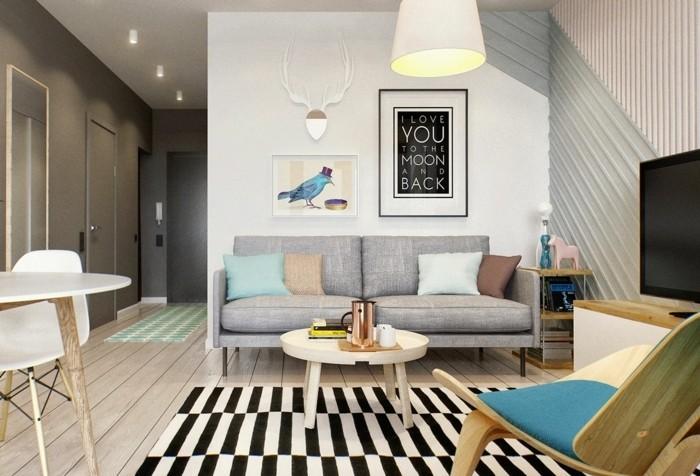 Idea per arredare un soggiorno classico con mobili in legno e accessori di design