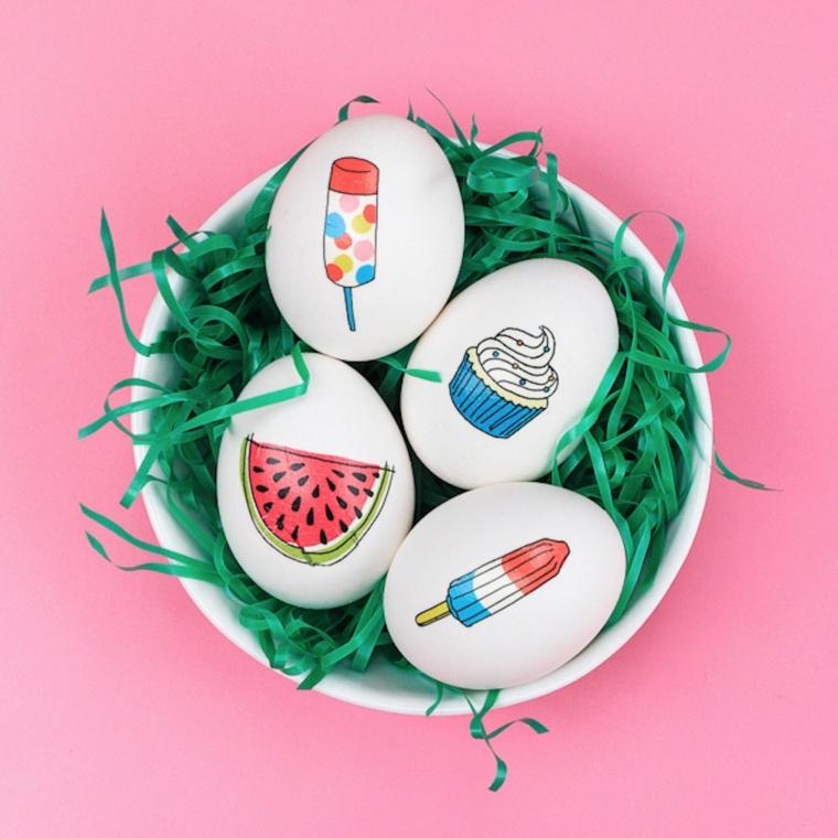 un'idea per decorare uova pasqua con disegni a forma di anguria, ghiacciolo e cup cake