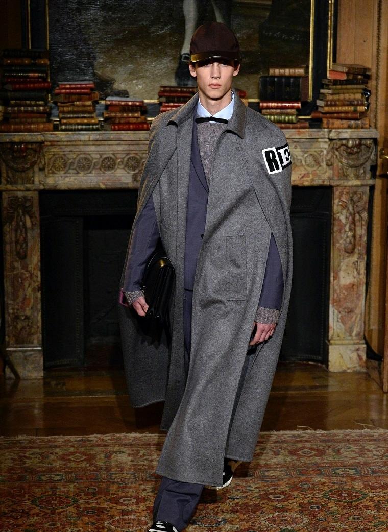 Abbigliamento uomo casual, giacca grigia molto lunga con tasche