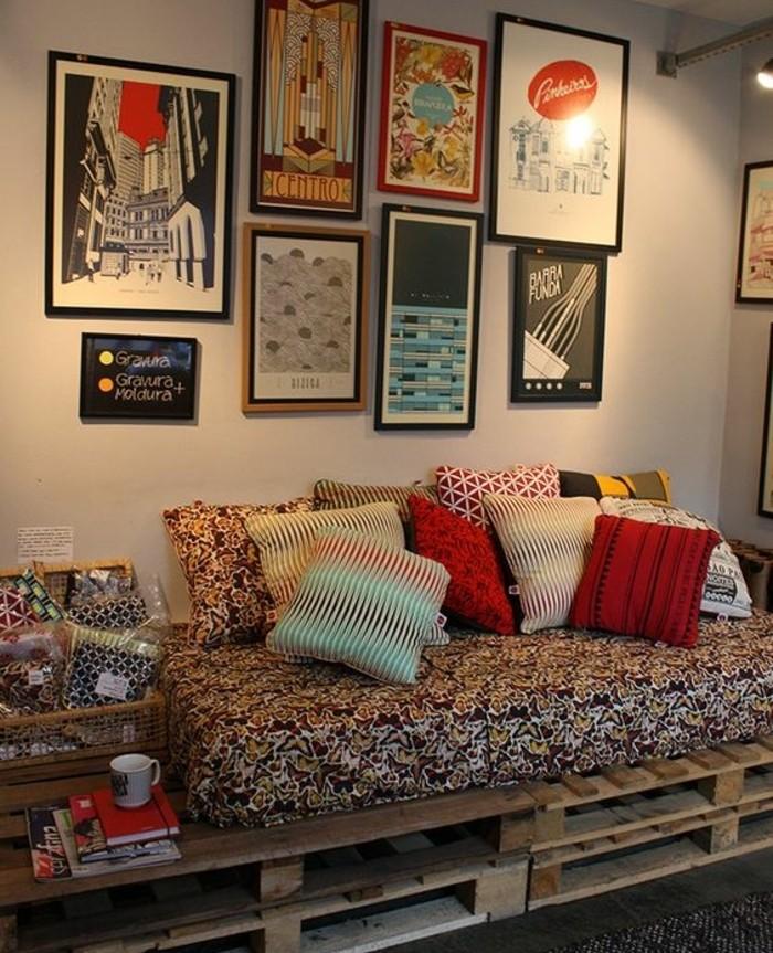 Divani con bancali, idea come arredare il soggiorno o la camera, decorazioni con quadri