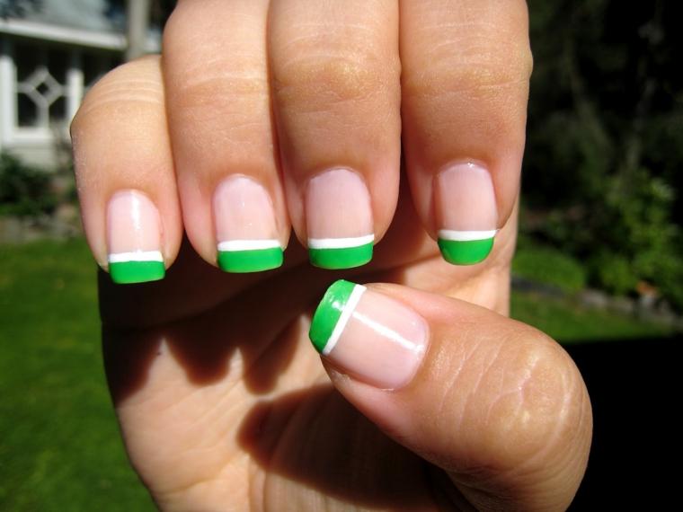 una proposta per french particolari con riga verde chiaro e bianco ideale per l'estate