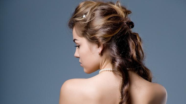una proposta per realizzare un raccolto capelli ideale anche per una sposa