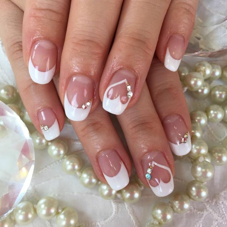 un'idea per gel unghie french ideali anche per la sposa con decorazioni a cuore