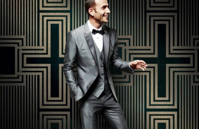una proposta molto elegante e raffinata per l'abito matrimonio uomo grigio chiaro
