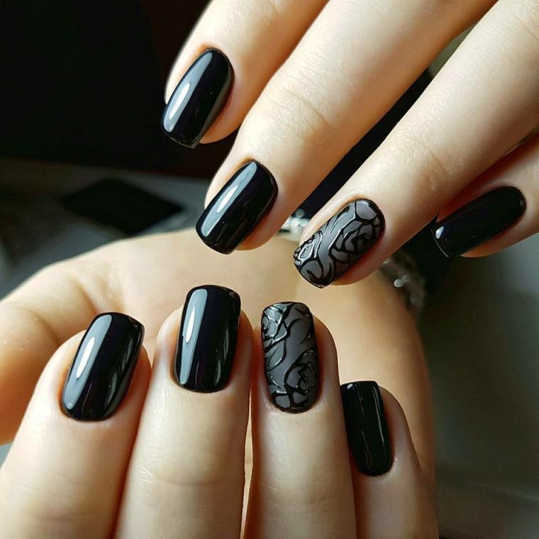 Decorazioni unghie gel di colore nero, accent nail disegno fiori su base mat