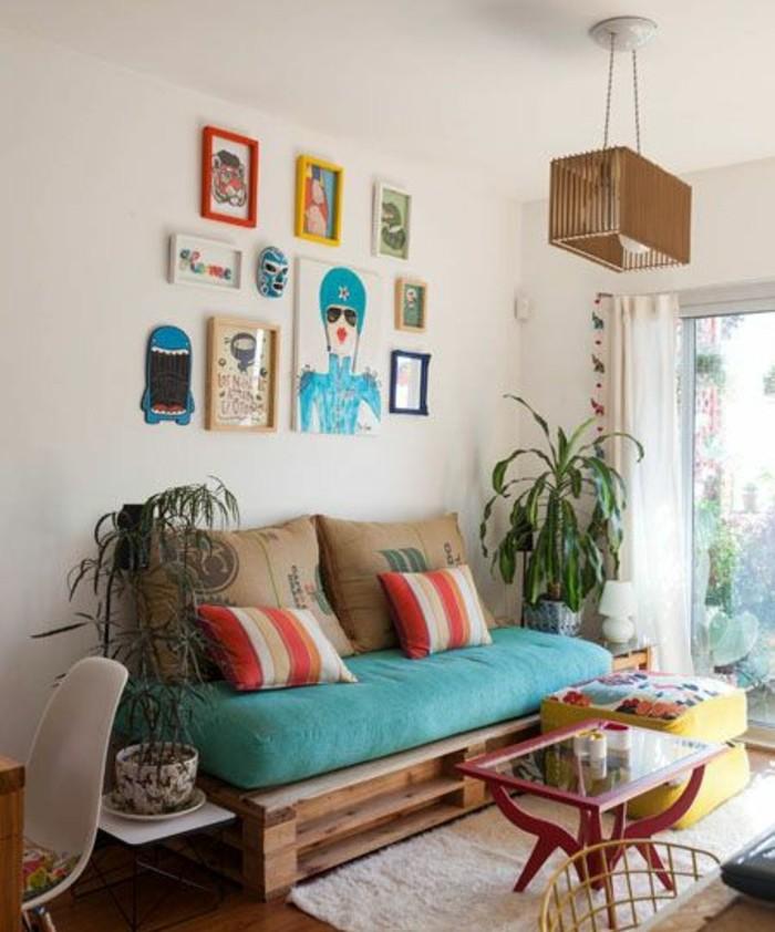 Pallet divano, arredamento soggiorno con mobili fai da te in legno, decorazioni colorate