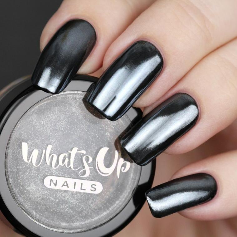 Nail art unghie, smalto colore nero acrilico, manicure lungo effetto metallico
