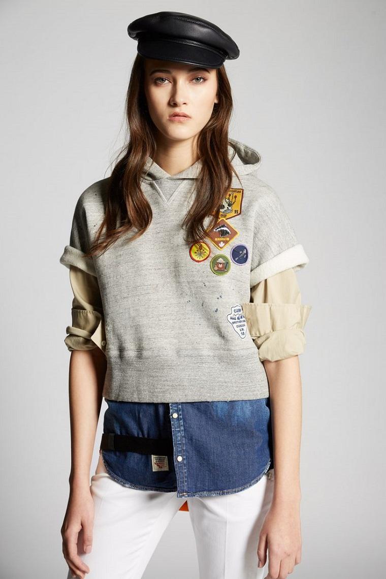 Come abbinare i colori dei vestiti, combinazione con jeans bianchi e felpa grigia