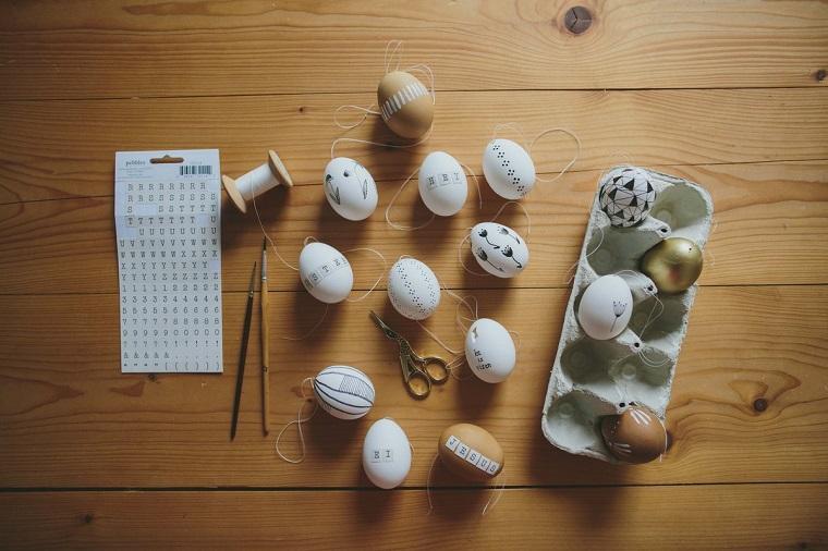 1001 idee per lavoretti di pasqua per bambini - Uova di pasqua decorati ...