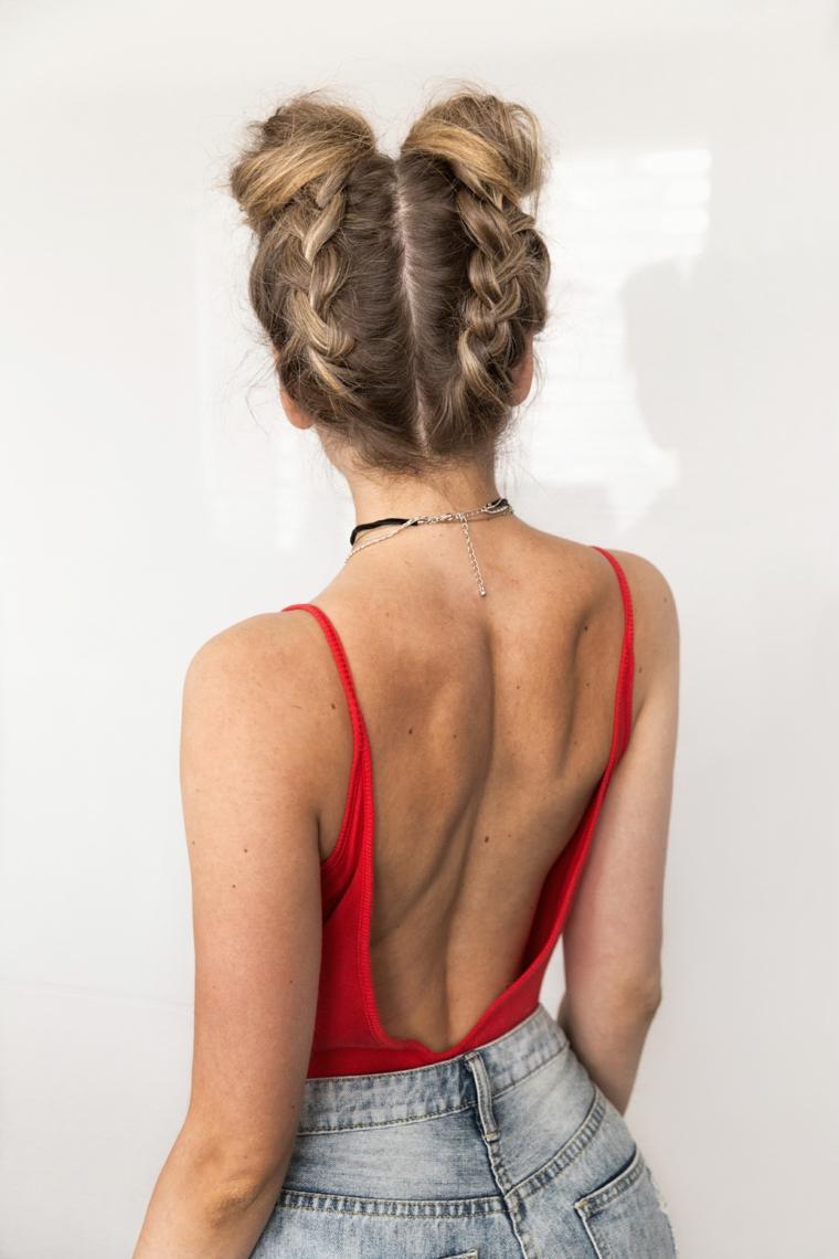 il risultato finale del tutorial per realizzare delle acconciature capelli lunghi facili e alla moda