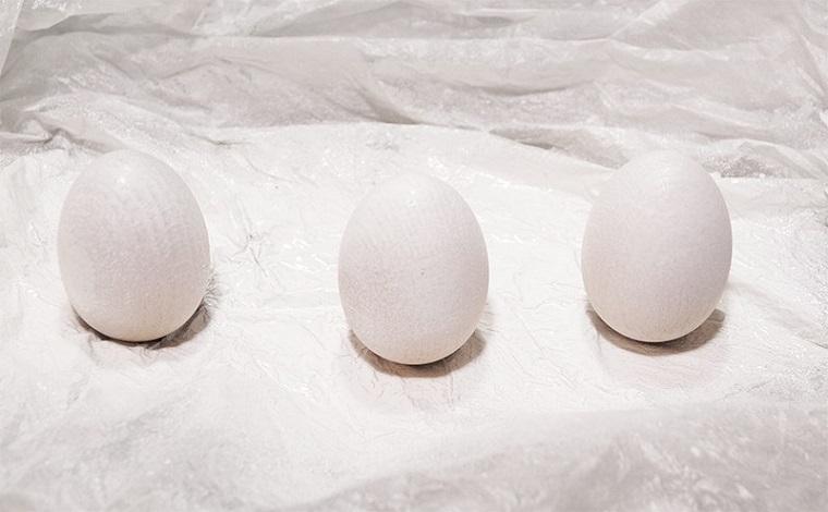 Uova pasquali di legno, lavoretti di pasqua per bambini