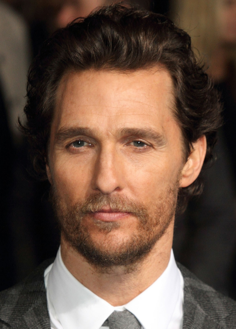 Tagli di capelli uomo, Matthew McConaughey attore, acconciature taglio mosso