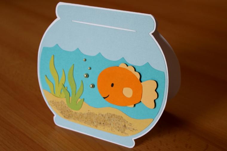 idea fai da te originale per creare degli inviti compleanno bambini a forma di vasca per i pesci