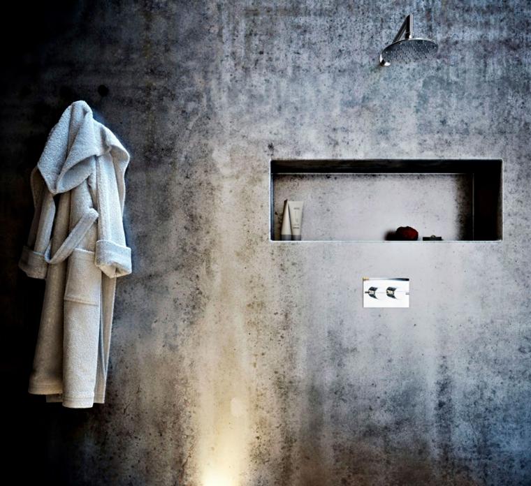 Idee rivestimento bagno, parete stile industriale, doccia moderna, nicchia da parete per appoggiare gli accessori