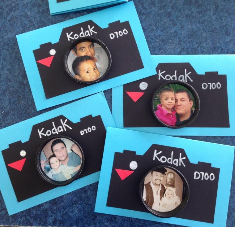 biglietti auguri festa del papà di carta blu cartolina forma macchina fotografica