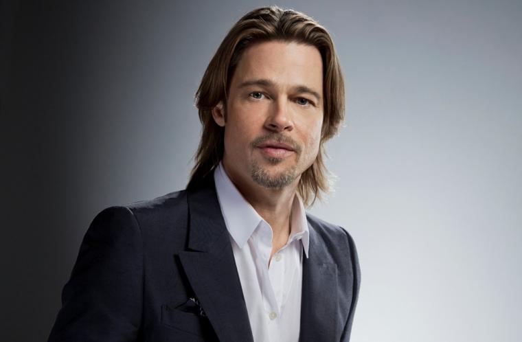 Taglio di capelli uomo, Brad Pitt con un'acconciatura capelli lisci, long bob biondo