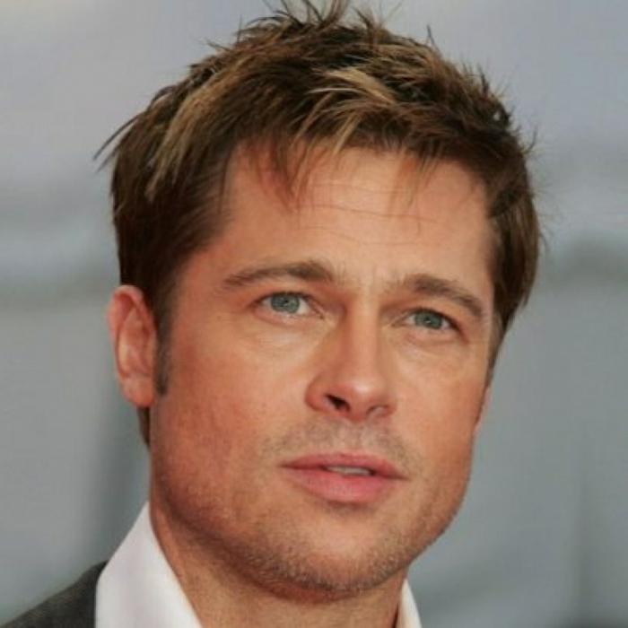 esempio di tagli di capelli corti uomo scalati sfoggiato dall'attore brad pitt