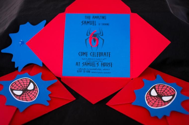 spiderman tema degli inviti festa compleanno bambini sia per la busta che per il biglietto