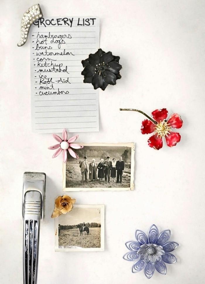 Frigo bianco, regali di natale fai da te, calamite forma di gioiello, foto vintage e lista della spesa