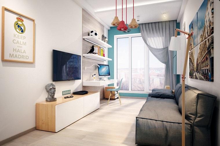 Arredare la cameretta con mobili di legno, decorazione con un lampadario colorato a sospensione