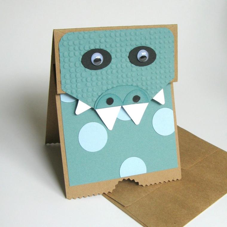 simpatico animaletto con denti e occhi grandi come tema di un invito ad una festa di compleanno