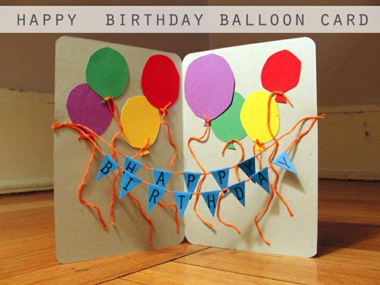 palloncini colorati come decorazione degli inviti festa compleanno bambini fai da te