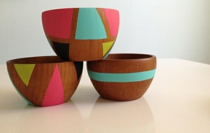 Regali fai da te, ciotole di legno colorate con diversi colori, diverse forme geometriche